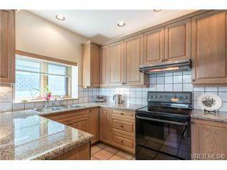 Photo 6: 1073 Deal Street in VICTORIA: OB South Oak Bay Single Family Detached for sale (Oak Bay)  : MLS®# 356155