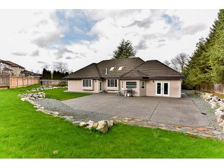 "Photo 3: 8461 WILDWOOD Place in Surrey: Fleetwood Tynehead House for sale in ""Tynehead"" : MLS®# R2047697"