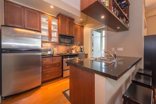 """Photo 10: 210 2515 ONTARIO Street in Vancouver: Mount Pleasant VW Condo for sale in """"The Elements"""" (Vancouver West)  : MLS®# R2053141"""