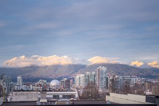 """Photo 3: 210 2515 ONTARIO Street in Vancouver: Mount Pleasant VW Condo for sale in """"The Elements"""" (Vancouver West)  : MLS®# R2053141"""
