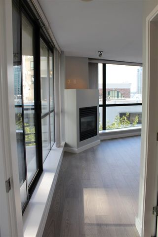 """Photo 17: 501 124 W 1ST Street in North Vancouver: Lower Lonsdale Condo for sale in """"THE Q"""" : MLS®# R2115647"""