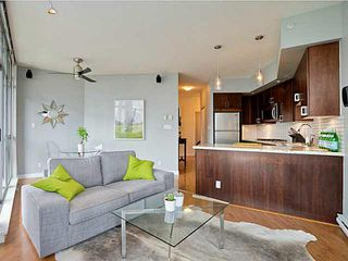 "Photo 3: 705 1050 SMITHE Street in Vancouver: West End VW Condo for sale in ""STERLING"" (Vancouver West)  : MLS®# R2133078"