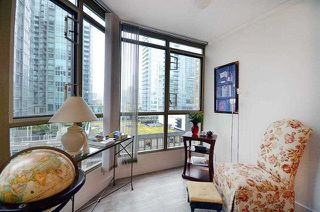 Photo 3: 1205 867 HAMILTON Street in Vancouver: Downtown VW Condo for sale (Vancouver West)  : MLS®# R2133180