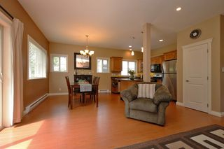 Photo 4: 1185 Colville Rd in VICTORIA: Es Rockheights Half Duplex for sale (Esquimalt)  : MLS®# 759933