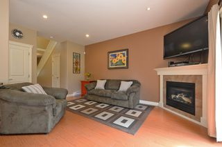 Photo 2: 1185 Colville Rd in VICTORIA: Es Rockheights Half Duplex for sale (Esquimalt)  : MLS®# 759933