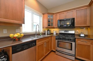 Photo 7: 1185 Colville Rd in VICTORIA: Es Rockheights Half Duplex for sale (Esquimalt)  : MLS®# 759933