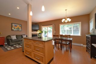 Photo 8: 1185 Colville Rd in VICTORIA: Es Rockheights Half Duplex for sale (Esquimalt)  : MLS®# 759933