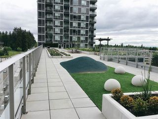 "Photo 10: 2308 5515 BOUNDARY Road in Vancouver: Collingwood VE Condo for sale in ""WALL CENTRE CENTRAL PARK"" (Vancouver East)  : MLS®# R2173555"