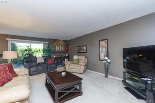 Photo 3: 12 4056 N Livingstone Ave in VICTORIA: SE Mt Doug Row/Townhouse for sale (Saanich East)  : MLS®# 766389