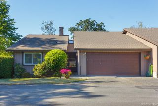 Photo 2: 12 4056 N Livingstone Ave in VICTORIA: SE Mt Doug Row/Townhouse for sale (Saanich East)  : MLS®# 766389