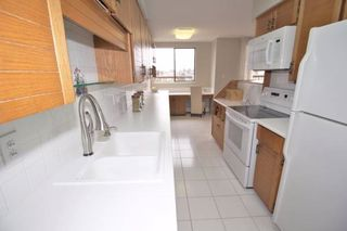 """Photo 9: 1701 320 ROYAL Avenue in New Westminster: Downtown NW Condo for sale in """"THE PEPPER TREE"""" : MLS®# R2196193"""