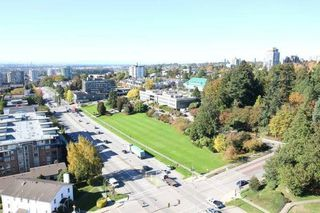 "Photo 15: 1701 320 ROYAL Avenue in New Westminster: Downtown NW Condo for sale in ""THE PEPPER TREE"" : MLS®# R2196193"