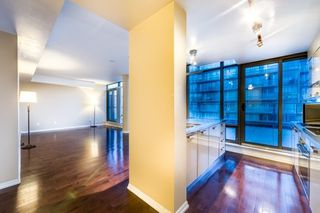 Photo 5: 3501 37 Grosvenor Street in Toronto: Bay Street Corridor Condo for lease (Toronto C01)  : MLS®# C3926249
