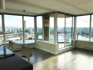 Photo 3: 2502 33 SMITHE STREET in Vancouver: Yaletown Condo for sale (Vancouver West)  : MLS®# R2228329