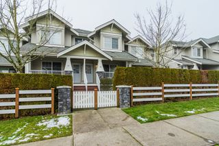 """Photo 2: 22 6568 193B Street in Surrey: Clayton Townhouse for sale in """"BELMONT AT SOUTHLANDS"""" (Cloverdale)  : MLS®# R2229685"""