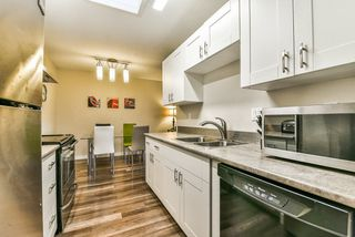 """Photo 10: 502 9672 134 Street in Surrey: Whalley Condo for sale in """"Parkswood (Dogwood Building)"""" (North Surrey)  : MLS®# R2230294"""
