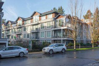 Photo 2: 305 611 Goldstream Ave in VICTORIA: La Fairway Condo for sale (Langford)  : MLS®# 777689