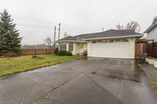 Photo 3: 19848 53RD Avenue in Langley: Langley City House for sale : MLS®# R2236557