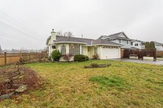 Photo 2: 19848 53RD Avenue in Langley: Langley City House for sale : MLS®# R2236557