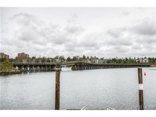 Photo 2: 1134 Arthur Currie Lane in VICTORIA: VW Victoria West Residential for sale (Victoria West)  : MLS®# 362291