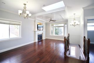 Photo 3: 2816 E 4TH Avenue in Vancouver: Renfrew VE House for sale (Vancouver East)  : MLS®# R2254032
