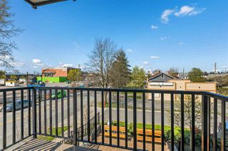 """Photo 14: 203 5665 177B Street in Surrey: Cloverdale BC Condo for sale in """"LINGO"""" (Cloverdale)  : MLS®# R2259852"""