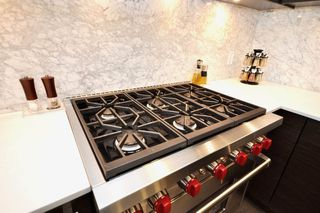 "Photo 2: 304 1819 W 5TH Avenue in Vancouver: Kitsilano Condo for sale in ""WEST FIVE"" (Vancouver West)  : MLS®# R2264945"