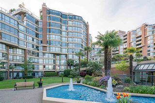 "Photo 16: 209 1470 PENNYFARTHING Drive in Vancouver: False Creek Condo for sale in ""HARBOUR COVE"" (Vancouver West)  : MLS®# R2268174"