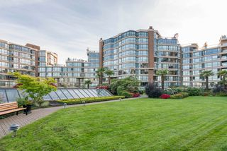 "Photo 8: 209 1470 PENNYFARTHING Drive in Vancouver: False Creek Condo for sale in ""HARBOUR COVE"" (Vancouver West)  : MLS®# R2268174"