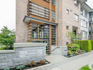 """Photo 2: 213 5955 IONA Drive in Vancouver: University VW Condo for sale in """"FOLIO"""" (Vancouver West)  : MLS®# R2275124"""