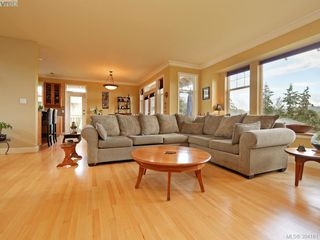 Photo 4: 2367 Tanner Ridge Pl in VICTORIA: CS Tanner House for sale (Central Saanich)  : MLS®# 790242