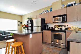"Photo 6: 35 18701 66 Avenue in Surrey: Cloverdale BC Townhouse for sale in ""Encore at Hillcrest"" (Cloverdale)  : MLS®# R2299597"