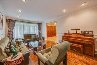 Photo 3: 70 Bestview Drive in Toronto: Bayview Woods-Steeles House (2-Storey) for sale (Toronto C15)  : MLS®# C4242361