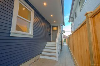 Photo 19: 945 E 14TH Avenue in Vancouver: Mount Pleasant VE 1/2 Duplex for sale (Vancouver East)  : MLS®# R2319982