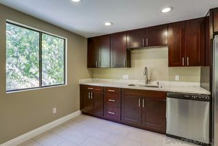 Photo 8: MISSION VALLEY Townhome for sale : 4 bedrooms : 4366 Caminito Pintoresco in San Diego