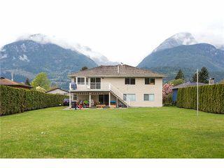 Photo 2: 40190 DIAMOND HEAD Road in Squamish: Garibaldi Estates House for sale : MLS®# R2349226
