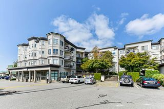 Photo 2: 212 5759 GLOVER Road in Langley: Langley City Condo for sale : MLS®# R2354108