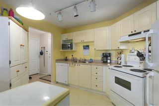 Photo 11: 212 5759 GLOVER Road in Langley: Langley City Condo for sale : MLS®# R2354108