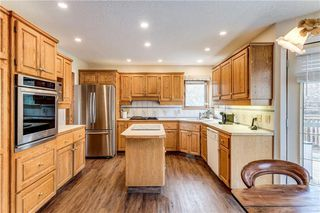 Photo 13: 2811 SIGNAL HILL Drive SW in Calgary: Signal Hill Detached for sale : MLS®# C4237001
