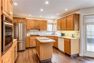 Photo 11: 2811 SIGNAL HILL Drive SW in Calgary: Signal Hill Detached for sale : MLS®# C4237001