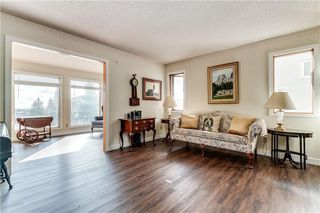 Photo 2: 2811 SIGNAL HILL Drive SW in Calgary: Signal Hill Detached for sale : MLS®# C4237001