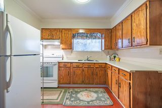 Photo 2: 564 HARRISON Avenue in Coquitlam: Coquitlam West House for sale : MLS®# R2357603