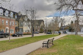 Photo 34: 93 SOMME Boulevard SW in Calgary: Garrison Woods Row/Townhouse for sale : MLS®# C4241800