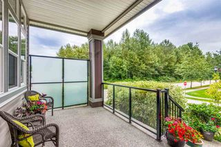 """Photo 3: 19593 THORBURN Way in Pitt Meadows: South Meadows House for sale in """"RIVERS EDGE"""" : MLS®# R2389397"""