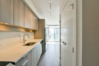 "Photo 4: 1111 13308 CENTRAL Avenue in Surrey: Whalley Condo for sale in ""Evolve"" (North Surrey)  : MLS®# R2402061"