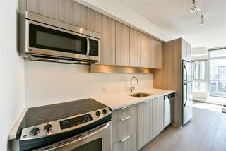 "Photo 2: 1111 13308 CENTRAL Avenue in Surrey: Whalley Condo for sale in ""Evolve"" (North Surrey)  : MLS®# R2402061"