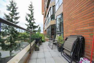 "Photo 16: 109 1450 PENNYFARTHING Drive in Vancouver: False Creek Condo for sale in ""Harbour Cove"" (Vancouver West)  : MLS®# R2403109"