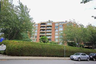 "Photo 1: 109 1450 PENNYFARTHING Drive in Vancouver: False Creek Condo for sale in ""Harbour Cove"" (Vancouver West)  : MLS®# R2403109"