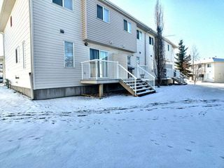 Photo 3: 58 451 Hyndman Crescent in Edmonton: Zone 35 Townhouse for sale : MLS®# E4181590