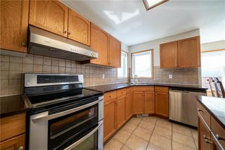 Photo 8: 36 Dallner Bay in Winnipeg: Royalwood Residential for sale (2J)  : MLS®# 1911428
